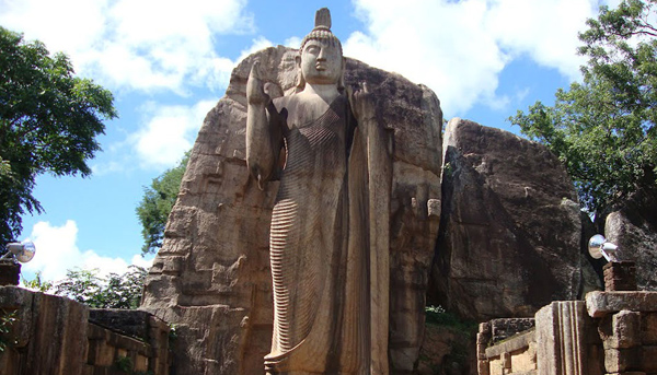 Temples and Beaches Tour of Srilanka